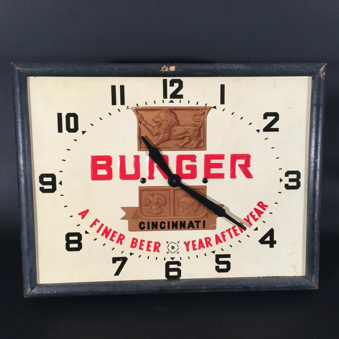 Burger Large Crest Clock Beer