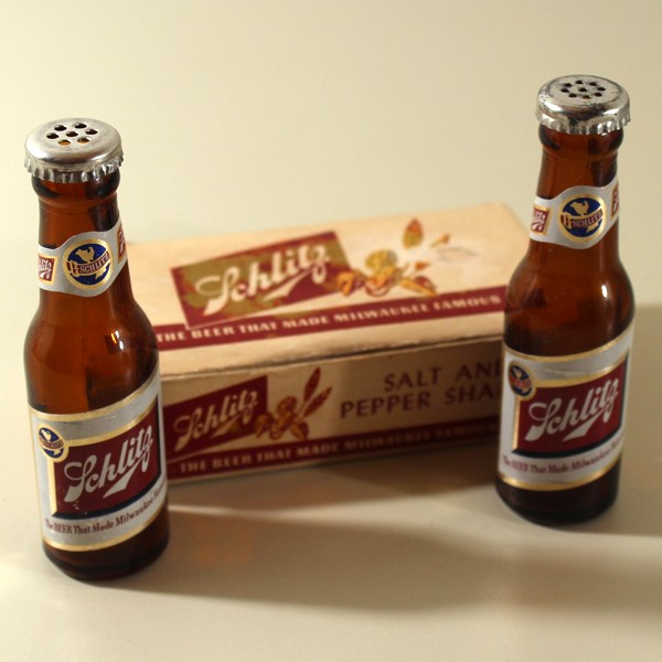 Schlitz Beer Salt & Pepper Shaker Set Beer